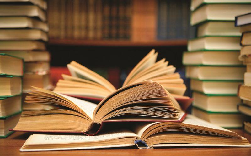 مدرس تاريخ وعلوم إجتماعية لطلبة الجامعات