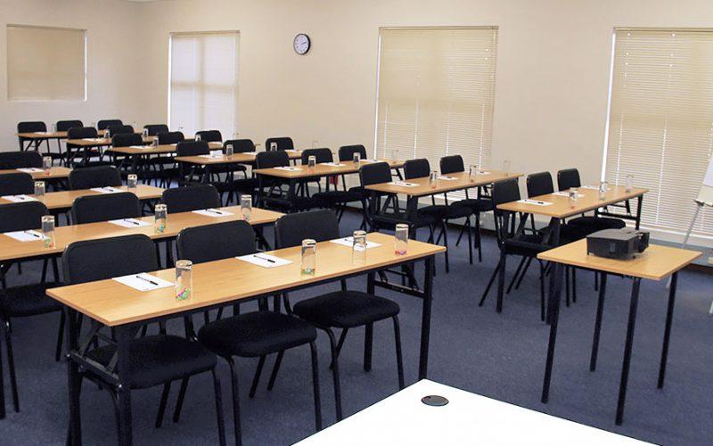 قاعات للتدريب و الكورسات تبدأ من 5 افراد حتى 100 فرد بمدينة نصر و مصر الجديدة